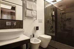 DHARMA HOTEL_ ROMA_BAGNO_RISTRUTTURAZIONE ALBERGO_ARCHITETTO FAUSTO DI ROCCO